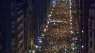 Milers-Bilbao-manifestacio-multitudinaria-EFE_ARAIMA20140111_0172_39